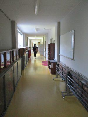 家庭科被服室前の廊下