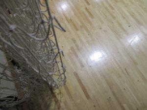 体育館の床、ピカピカです。