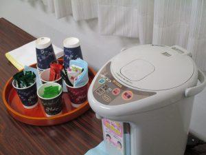 藤野副校長が温かい飲み物を用意してくださいました
