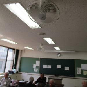 当日は室内が陽だまりの暖かさで、天井の扇風機がフル回転していました。