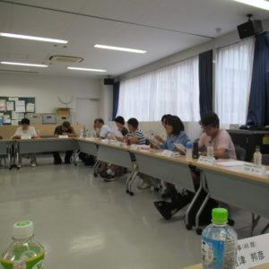 (右手前)骨折中の35期・松本幹事、よくぞ松葉杖でいらしてくださいました。