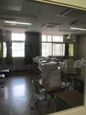 春休み中のガランとした教室・・・真新しい教材たちが鎮座しています。
